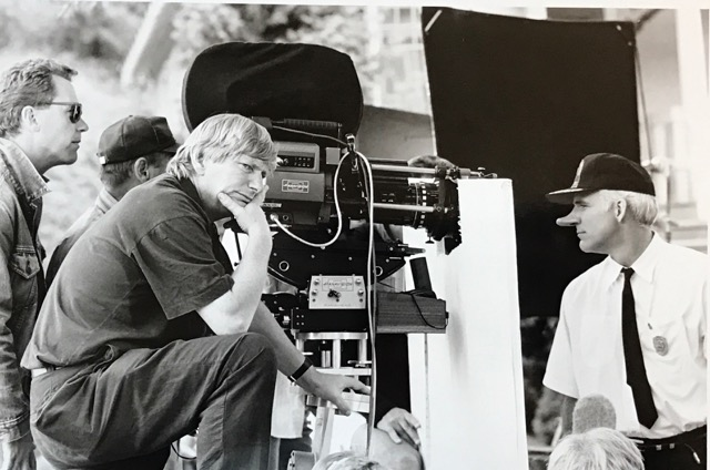 Fred Schepisi and Steve Martin on the set of Roxanne